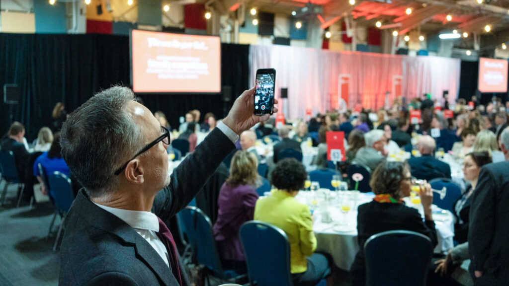 Hundreds of United Way champions gather for breakfast